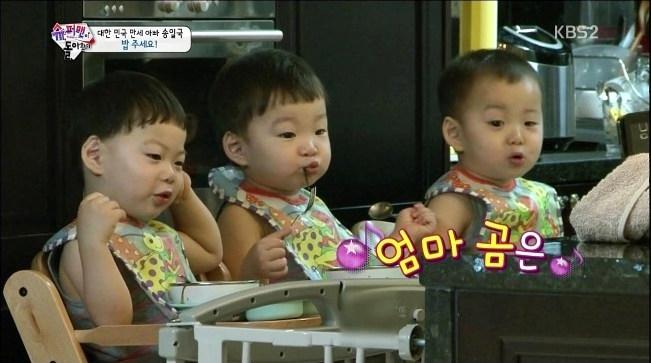 """一跃成为韩国""""国民奶爸"""",""""国民奶爸""""的称号也要归功于宋一国的三胞胎."""