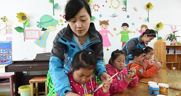 小朋友几岁上幼儿园合适?