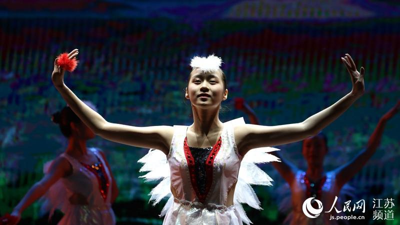 江苏射阳举办文化艺术节 中央芭蕾舞团献演《