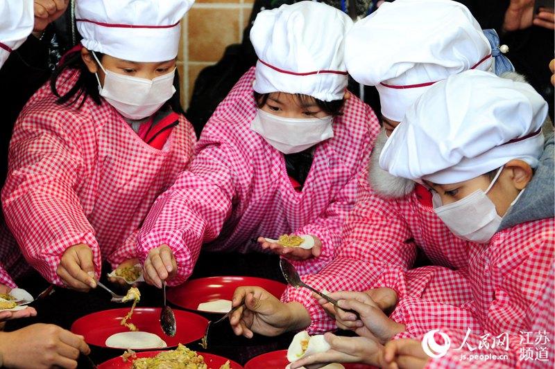 澳门师生代表走进南京金陵小学体验传统文化