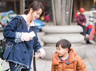 《妈超3》邓莎呵护童真 外公上演终极求生欲