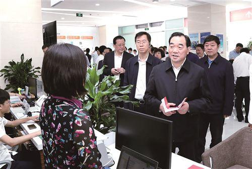 周铁根庄兆林率徐州市党政代表团赴成都市考察