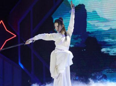 谢蕾蕾双舞演绎《芸汐传》