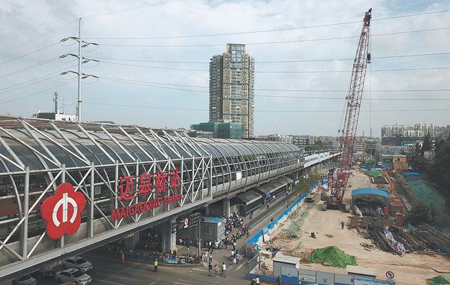 中秋节南京红山路-和燕路快速化改造工程不停