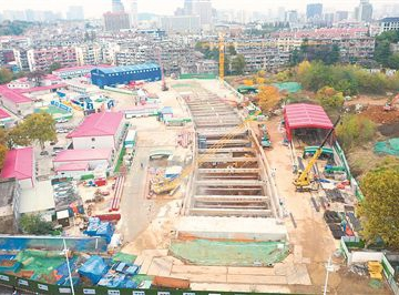 南京地铁加速延伸 7号线施工现场繁忙