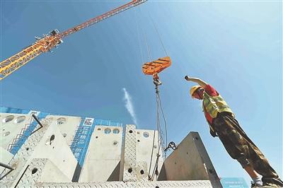南京棲霞百水保障房項目工地有序施工