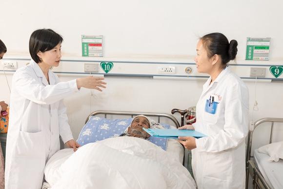 """江苏医疗援疆:在克州根植出医疗戍边的""""花"""""""