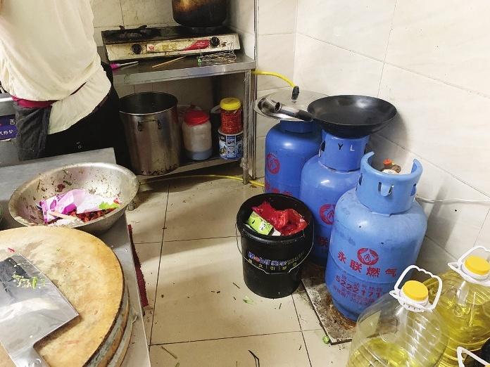 苏州常熟华东食品城存三大安全隐患市场经营环境如何让人安心