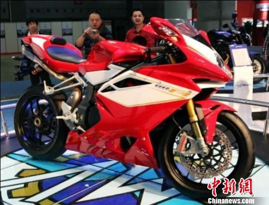 钱江600摩托车视频_