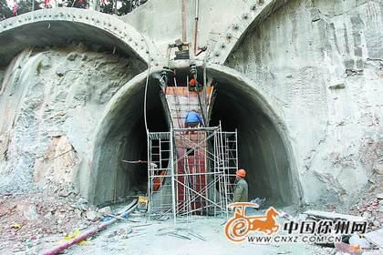 根据计划,本月中旬,将正式启动韩山隧道主洞开挖.