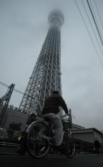 """世界最高电视塔 634米""""东京天空树""""完工"""