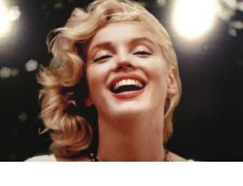 梦露逝世50周年生前最后性感写真将v性感内衣秀裸照广告词