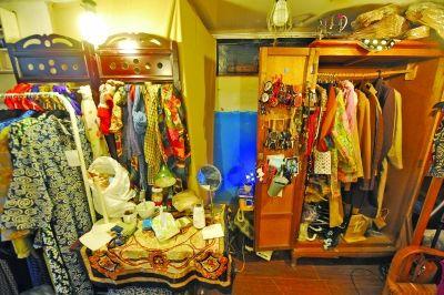 小店专卖古着 七八十年代物品受欢迎
