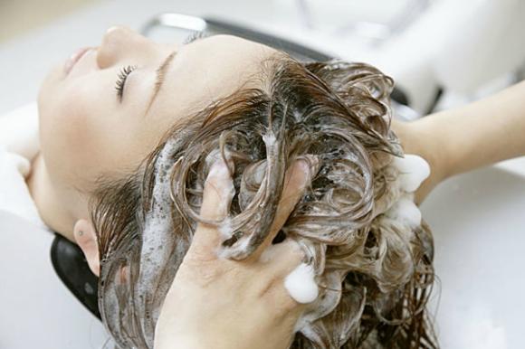 中医养生:6种洗头方法洗掉健康 头发掉光光