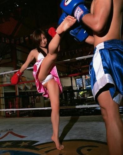 越南17岁拳击妹健身照走红
