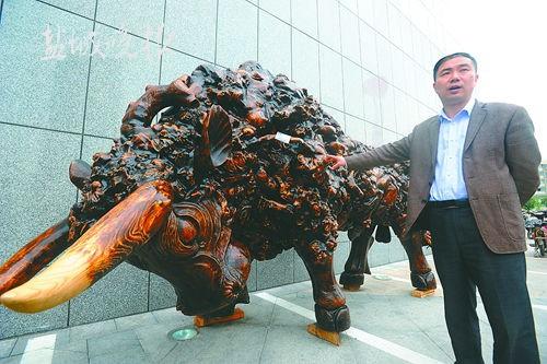 盐城一件根雕牛卖了上百万 买主是公司老板