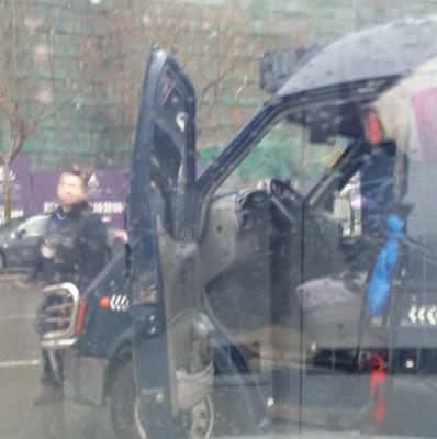 投诉南京金盾护卫公然在马路中打人